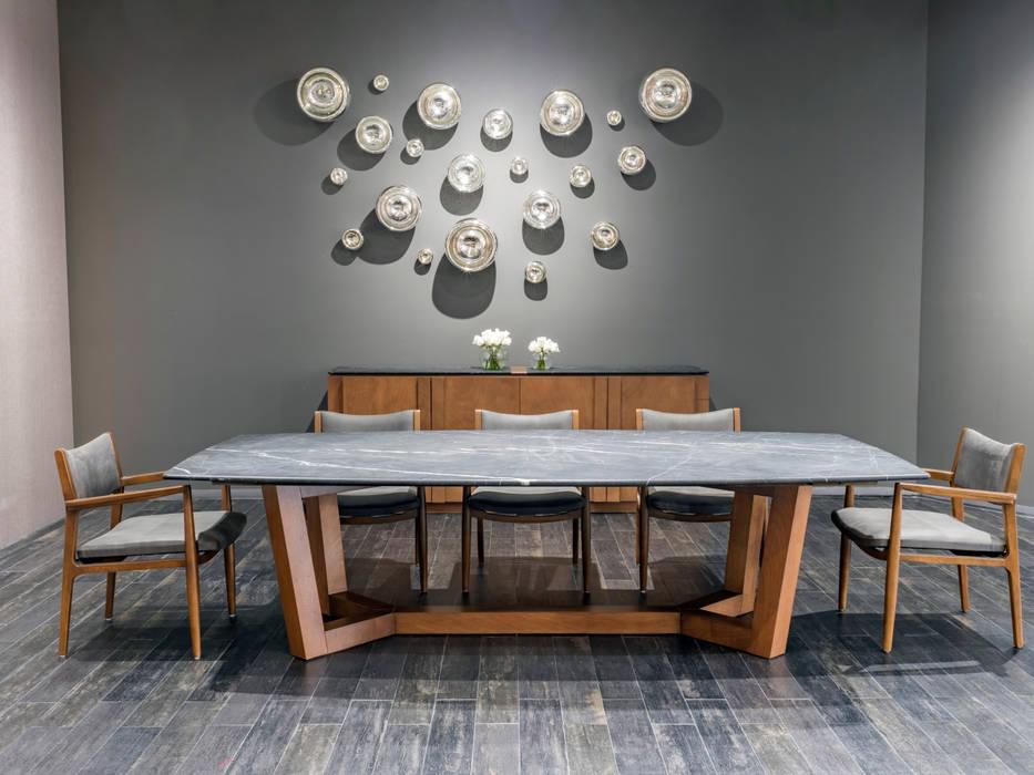 Ruang Makan oleh Casa de las Lomas, Modern