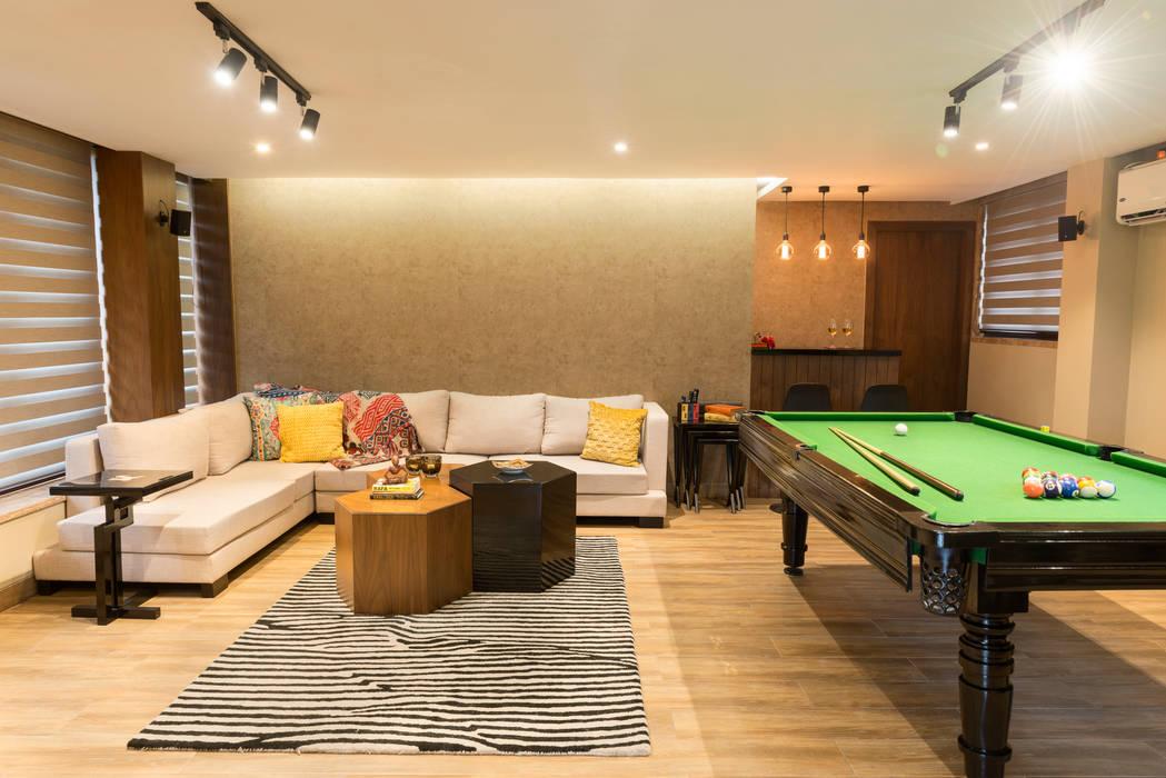 DEN +TERRACE GARDEN Modern Living Room by VCJ DESIGNS Modern