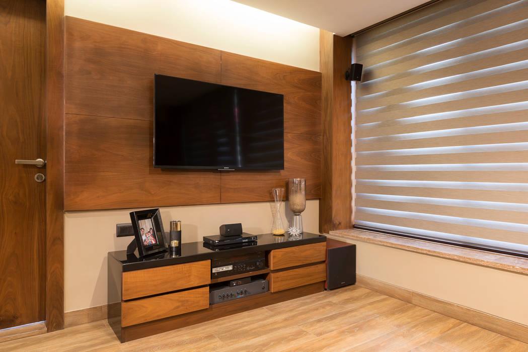 DEN +TERRACE GARDEN homify Modern living room