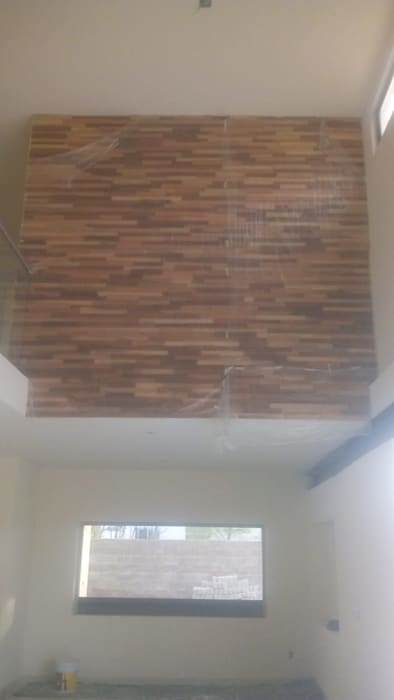 LAMBRIN DE MADERA Paredes y pisos de estilo moderno de SERVICIOS CALO Moderno Madera Acabado en madera