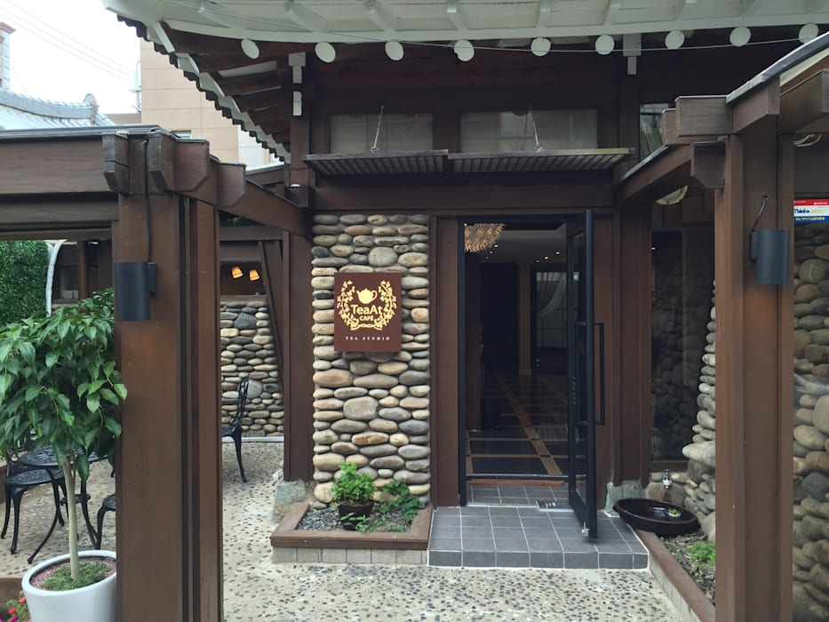 Wooden houses by 감자디자인,