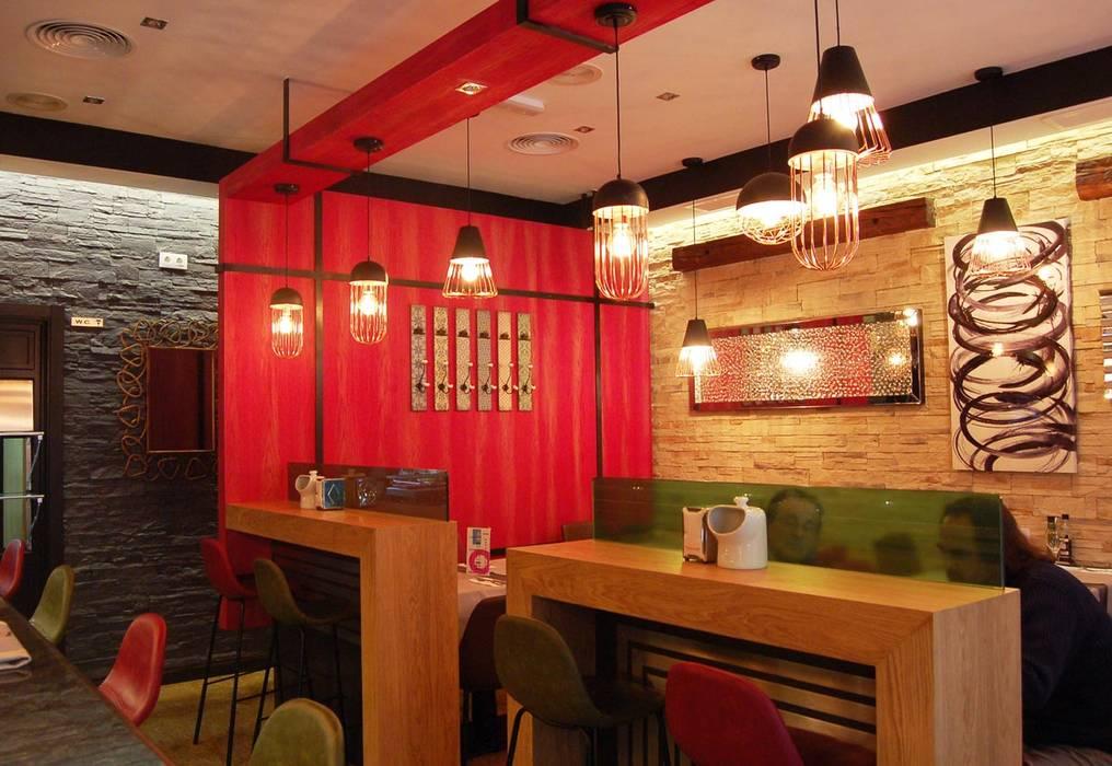 BAR DÓNDE SIEMPRE: Bares y Clubs de estilo  de Arquitectura de Interior