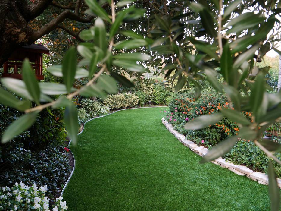 Bellissimo giardino colorato in provincia di brescia: giardino