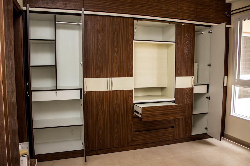 Wall to wall wardrobe in master bedroom by ssdecor modern ...