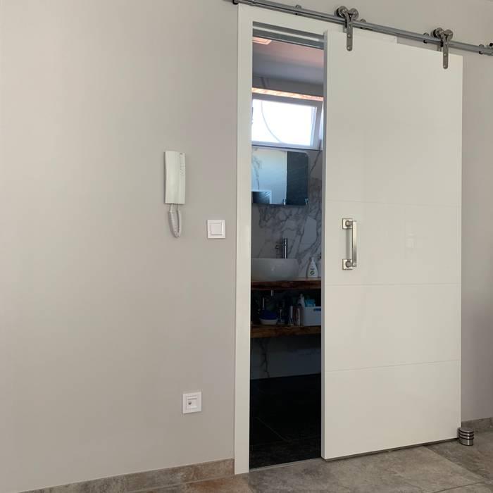 Puerta corredera del ba o peque o puertas correderas de for Puertas corredizas para banos pequenos