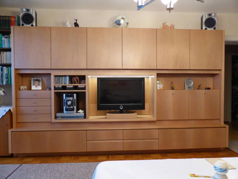 Wohnzimmerschrank von Schreinerei Böckelen Skandinavisch Holz Holznachbildung