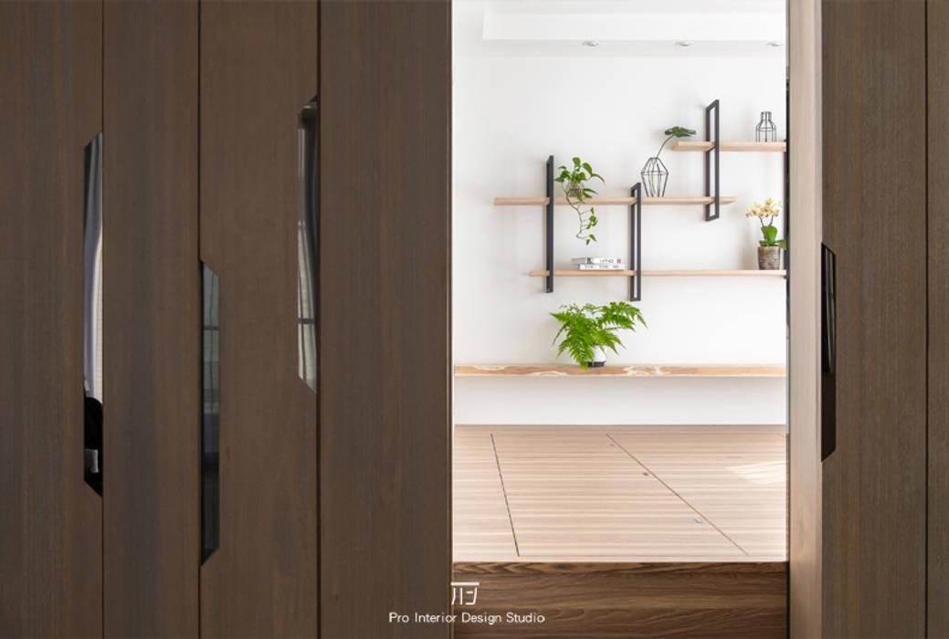 多功能空間 根據 璞玥室內裝修有限公司 現代風 複合木地板 Transparent
