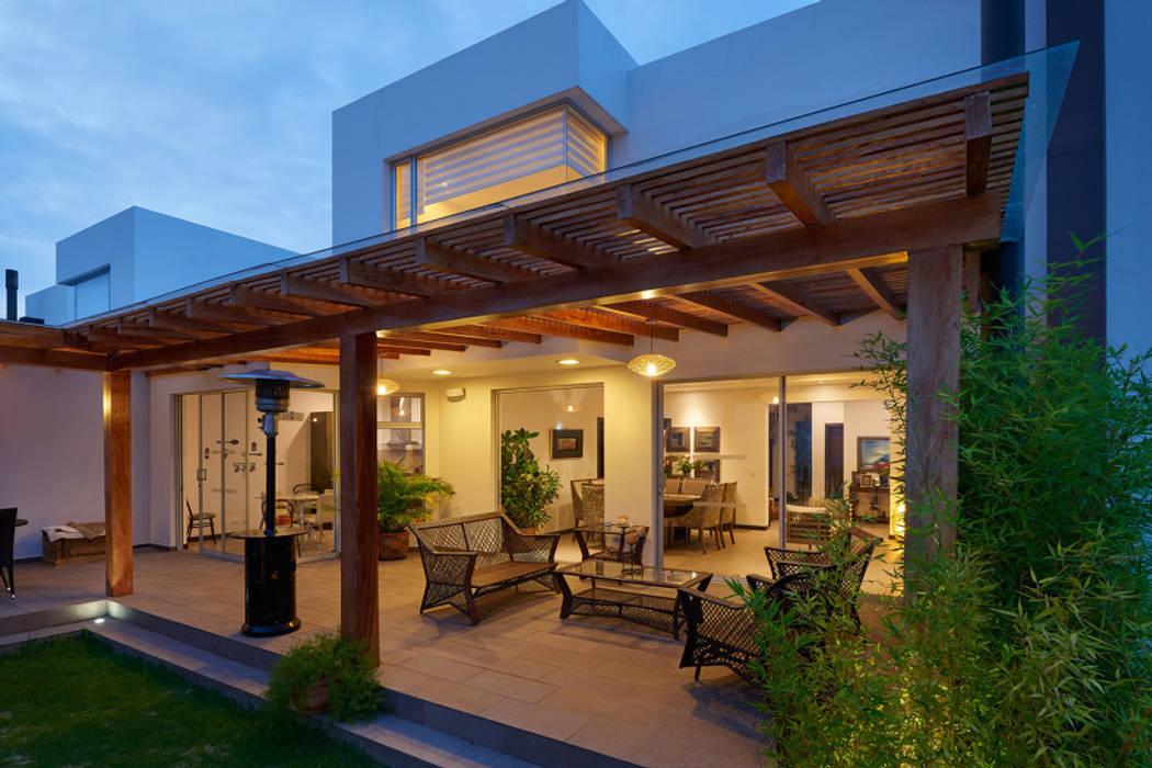 Mantencion de Terraza Balcones y terrazas clásicos de Mantención de Terrazas | mantenciondeterrazas.cl Clásico Madera Acabado en madera