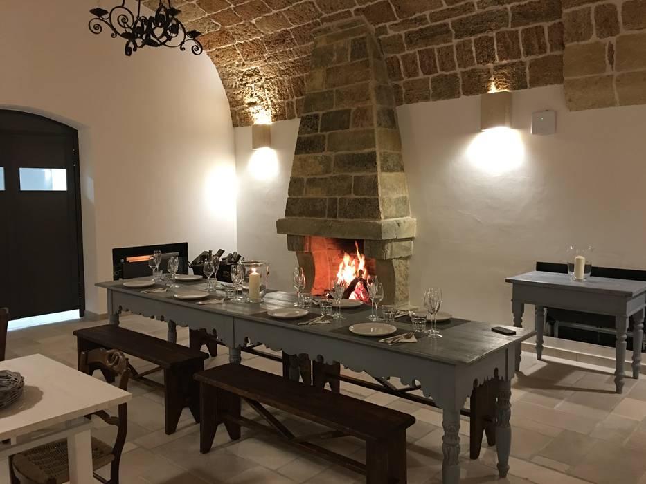 Dining room by STUDIO TECNICO GEOMETRA ARTURO DE MARCO