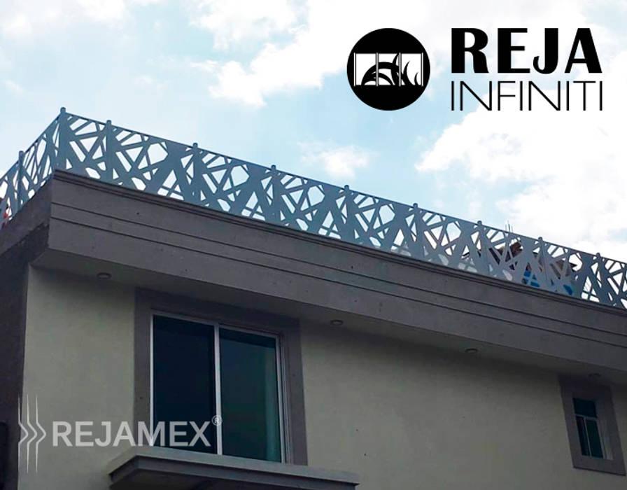 Casas multifamiliares de estilo  por Rejamex