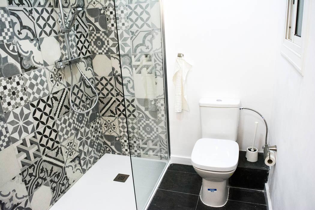 Bathroom by Escarra arquitectos y asociados SAS