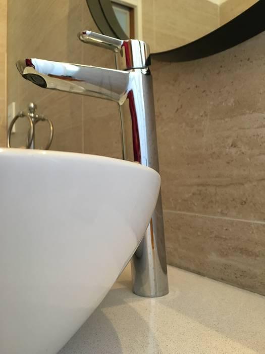 Bathroom by Estudio Qpi , Modern Metal