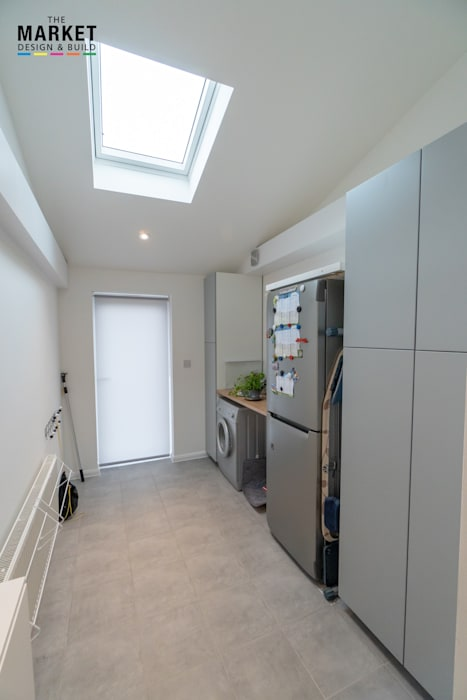 ICKENHAM REAR HOUSE EXTENSION Modern kitchen by The Market Design & Build Modern