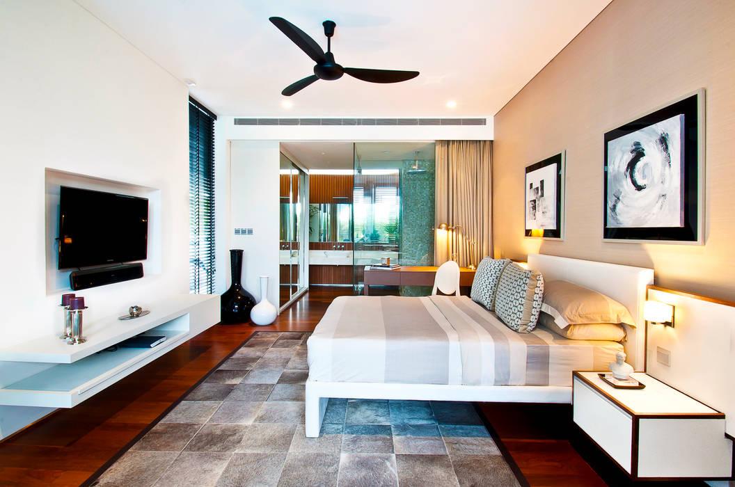 Bedroom Design by Design Intervention:  Bedroom by Design Intervention