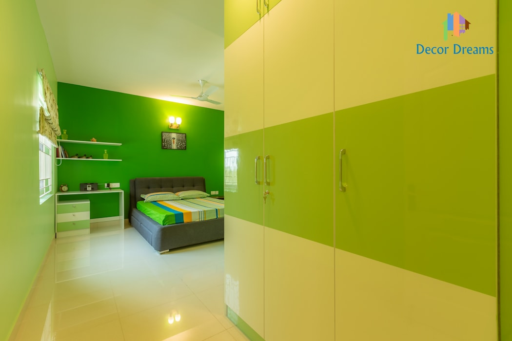 Brigade Meadows, 3 BHK—Dr. Usha & Dr. Mohan:  Small bedroom by DECOR DREAMS,