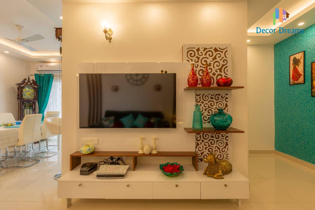 Brigade Meadows, 3 BHK—Dr. Usha & Dr. Mohan Modern living room by DECOR DREAMS Modern