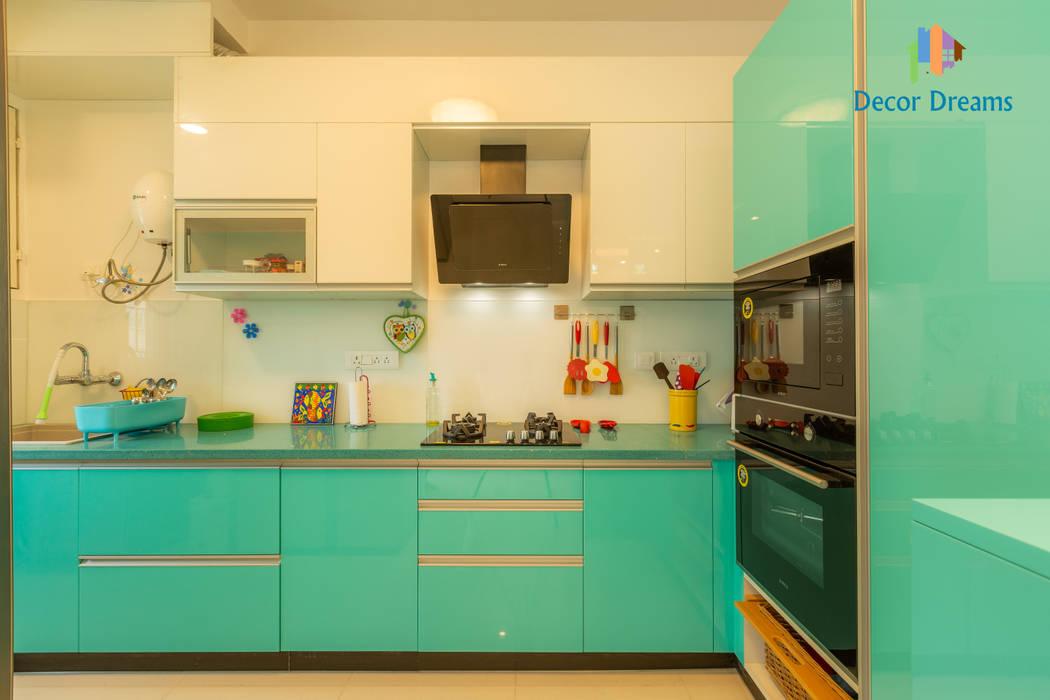 Brigade Meadows, 3 BHK—Dr. Usha & Dr. Mohan:  Kitchen units by DECOR DREAMS,Modern