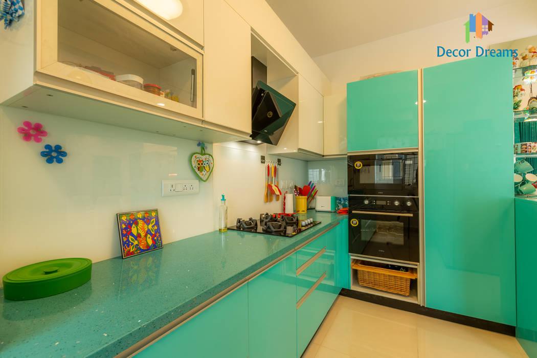Kitchen units by DECOR DREAMS