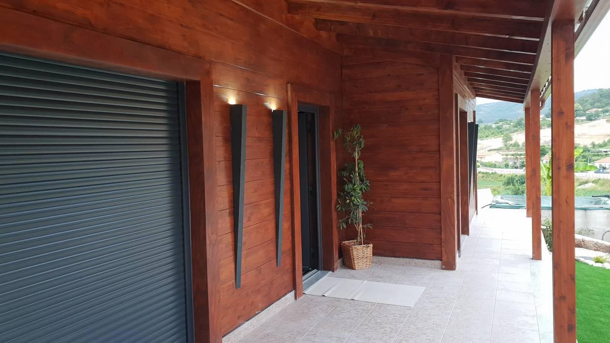 de Breeze House Rústico Madera Acabado en madera