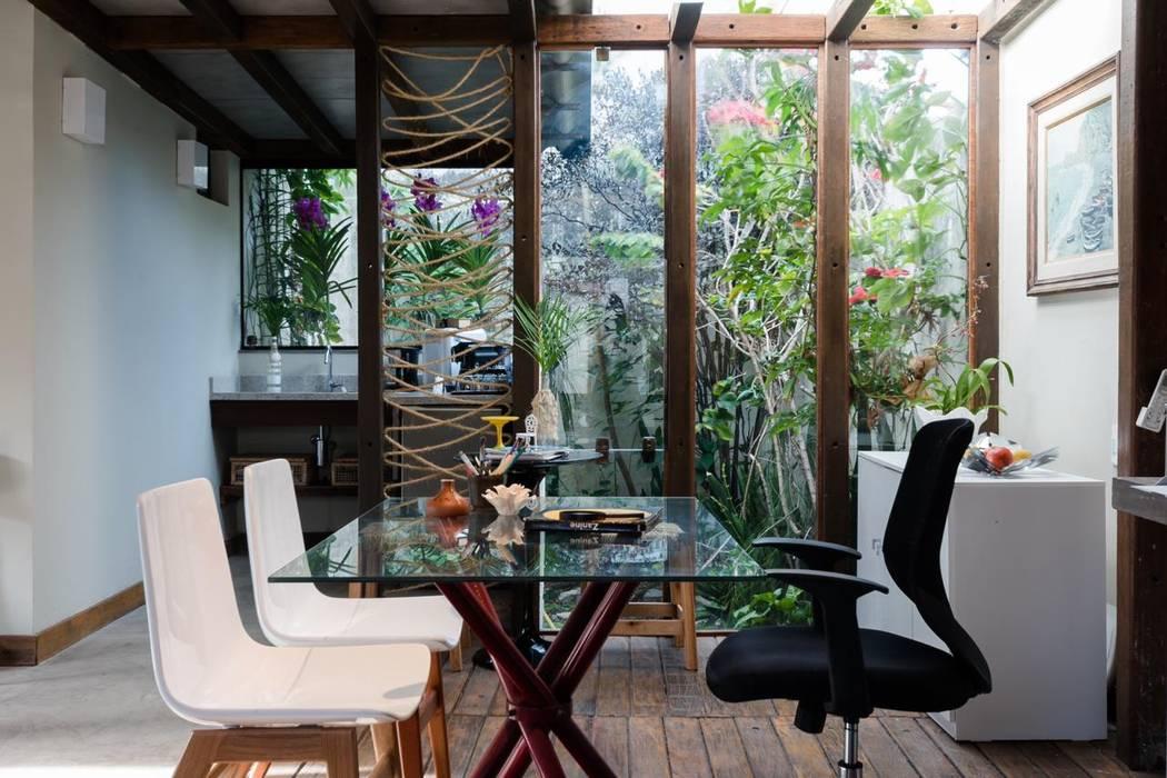 Oficinas de estilo  por Arquitetar Engenharia LTDA