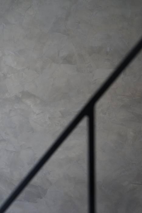 老屋翻新 巷‧日閣 | 3F 閣樓 根據 有隅空間規劃所 工業風