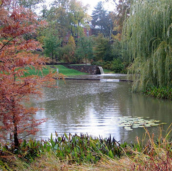 Taman oleh Ecologic City Garden - Paul Marie Creation, Klasik
