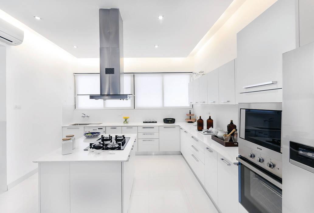 Tủ bếp theo Prachi Damle Photography,