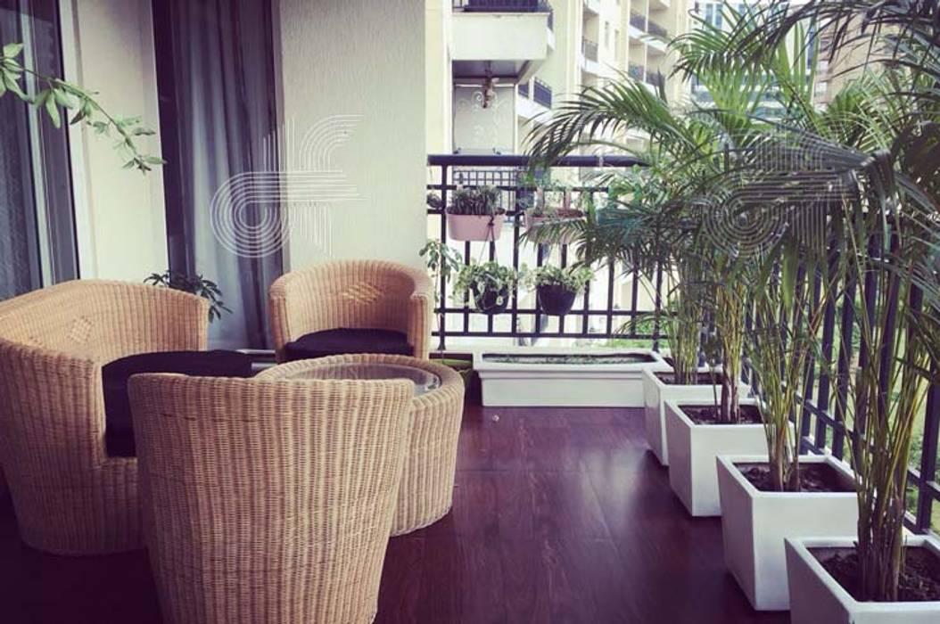 Balcón de estilo  de design foundation, Moderno