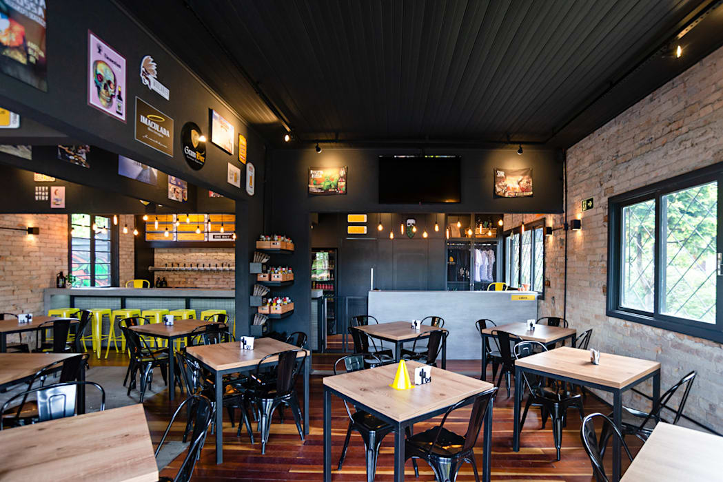 Bars & clubs by Simone Martini Arquitetura, Industrial