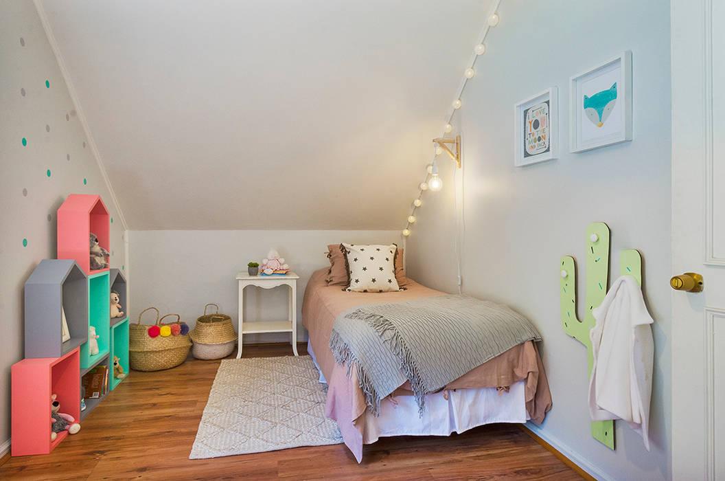 Habitaciones de niñas de estilo  de Klover