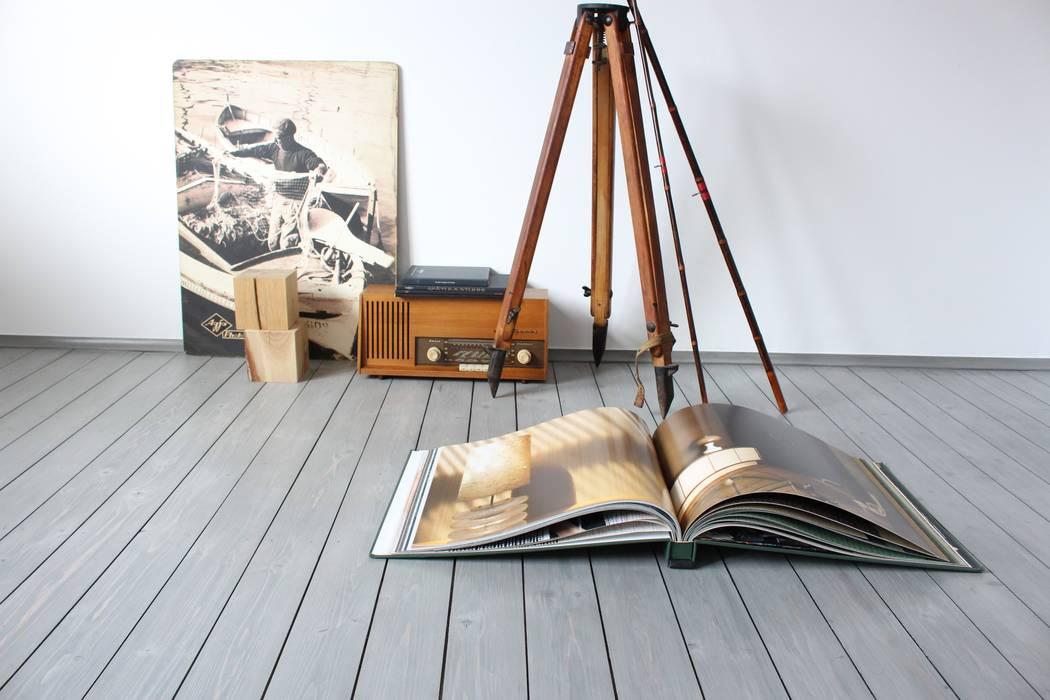 Cicerone Neamu   INTERIOR Floors Engineered Wood Grey