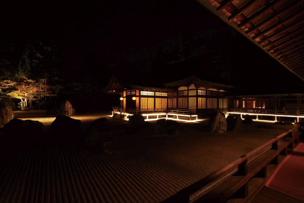 Event venues by 東京デザインパーティー|照明デザイン 特注照明器具