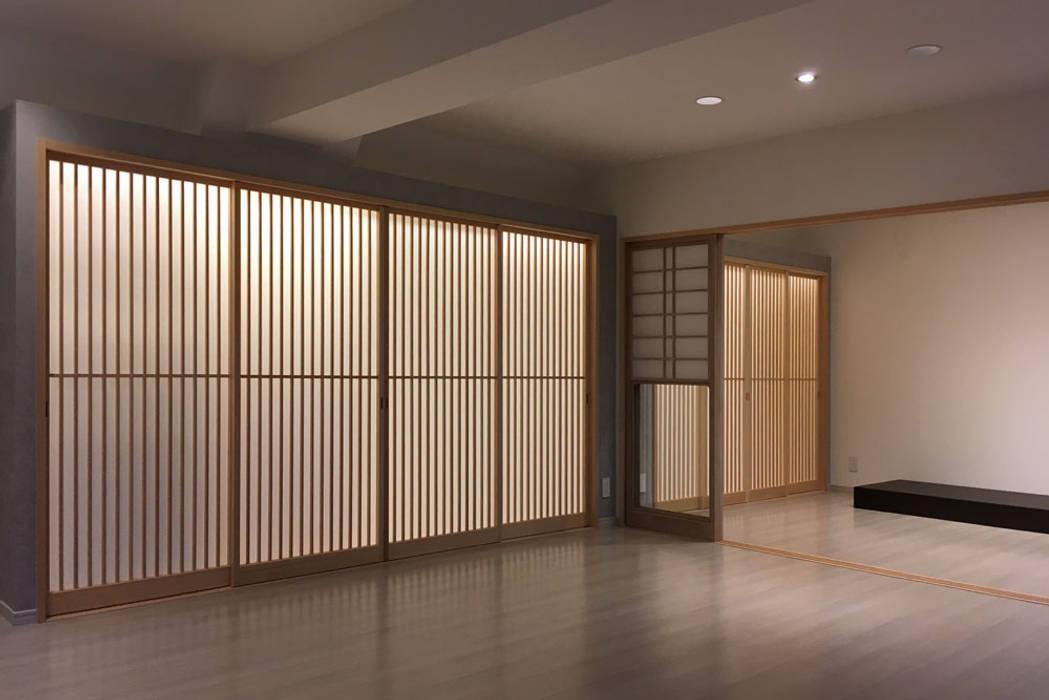 東京デザインパーティー|照明デザイン 特注照明器具 Ruang Keluarga Gaya Asia