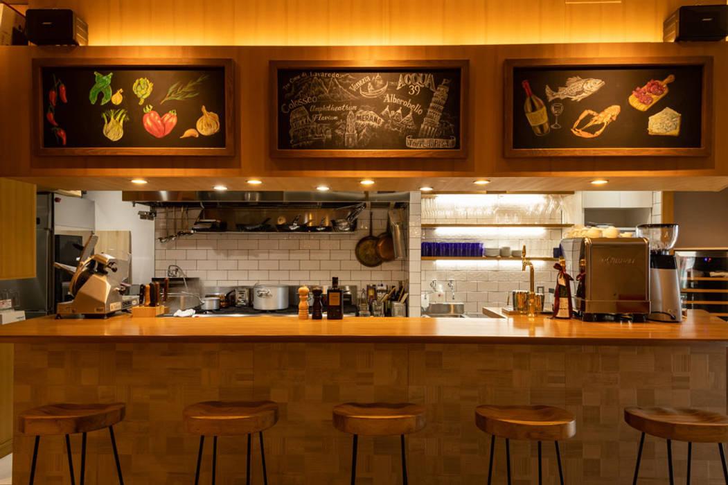イタリアンレストランのライティングデザイン 東京デザインパーティー|照明デザイン 特注照明器具 地中海風レストラン