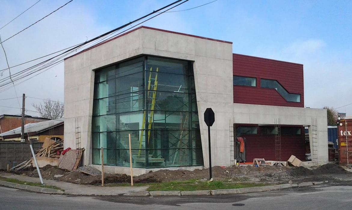 Edificio Corporativo Funeraria Las Salinas: Chalets de estilo  por Constructora ARCOX SpA.
