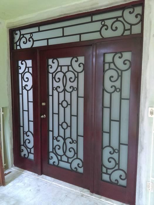 Front doors by Herrería CHS,