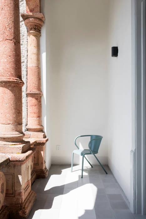 Balcony by Heftye Arquitectura,