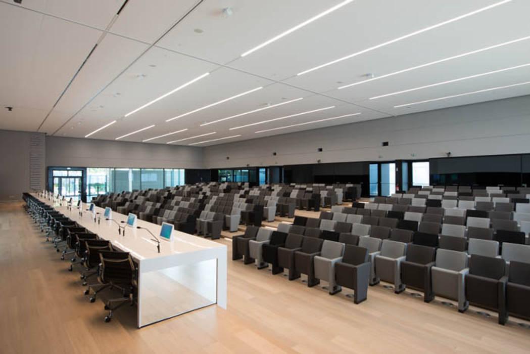 Conference Centres by  a2 Studio Gasparri e Ricci Bitti Architetti associati