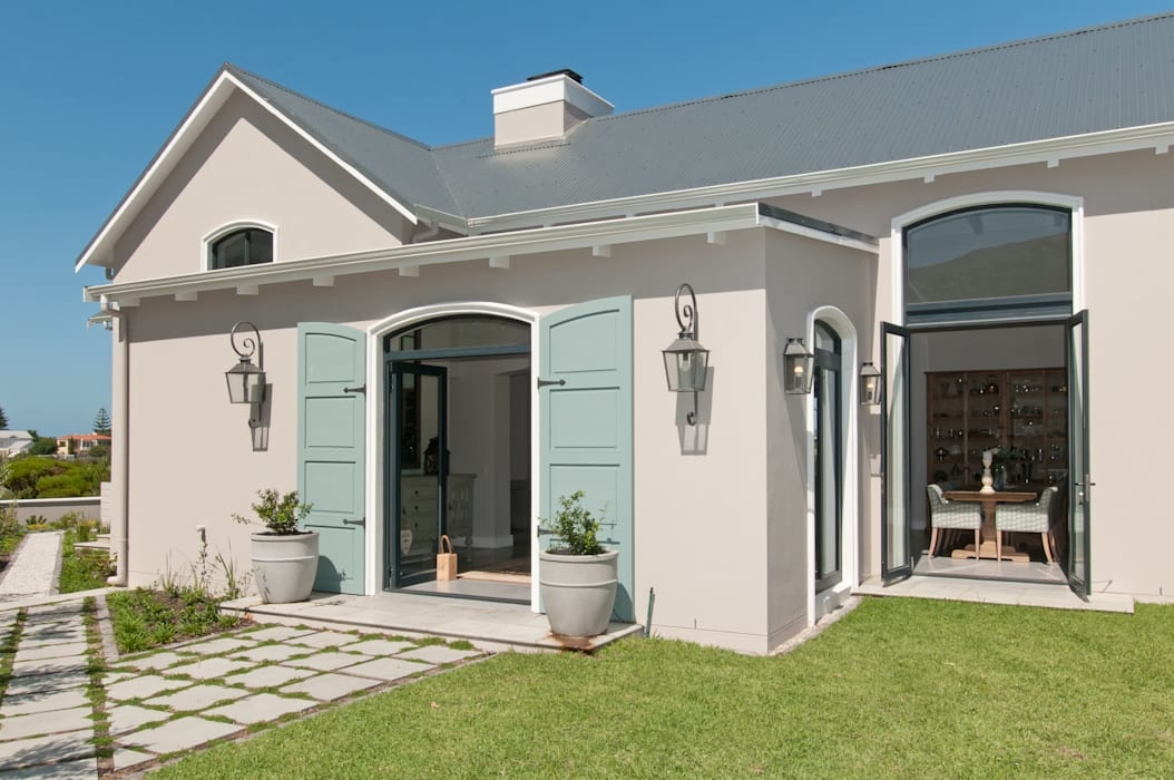 House Facade:  Houses by Overberg Interiors
