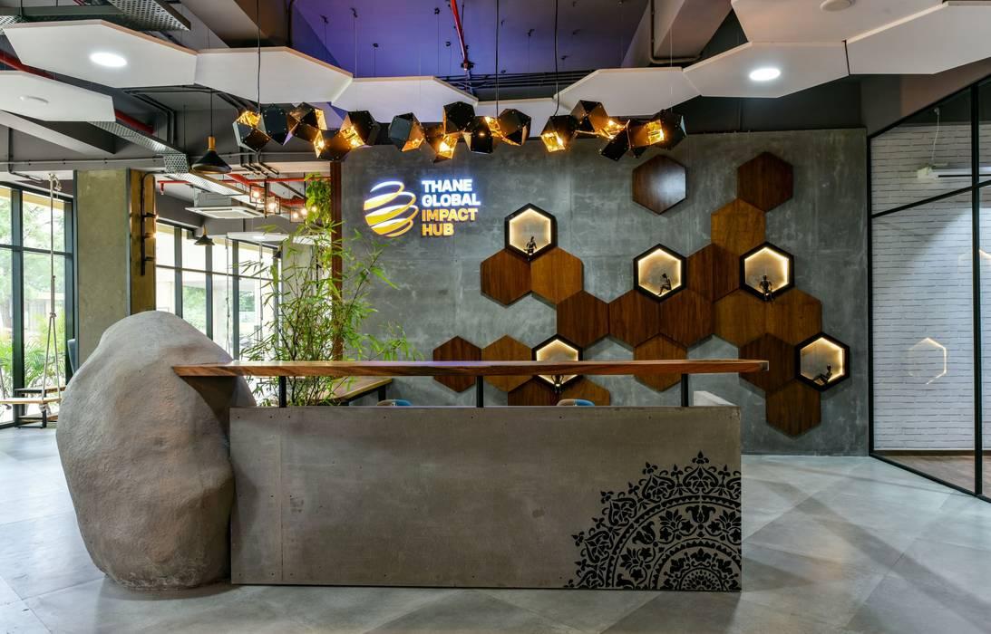 Coworking & Incubation Center - Thane Impact Global Hub:  Corridor & hallway by Dezinebox