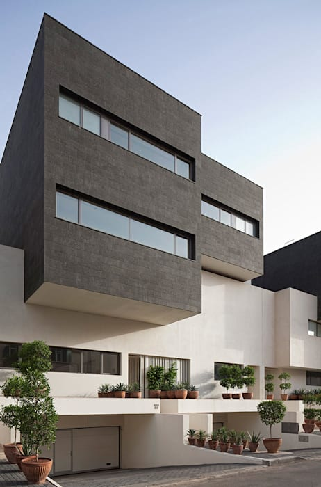 AGi architects arquitectos y diseñadores en Madrid บ้านและที่อยู่อาศัย คอนกรีต Black