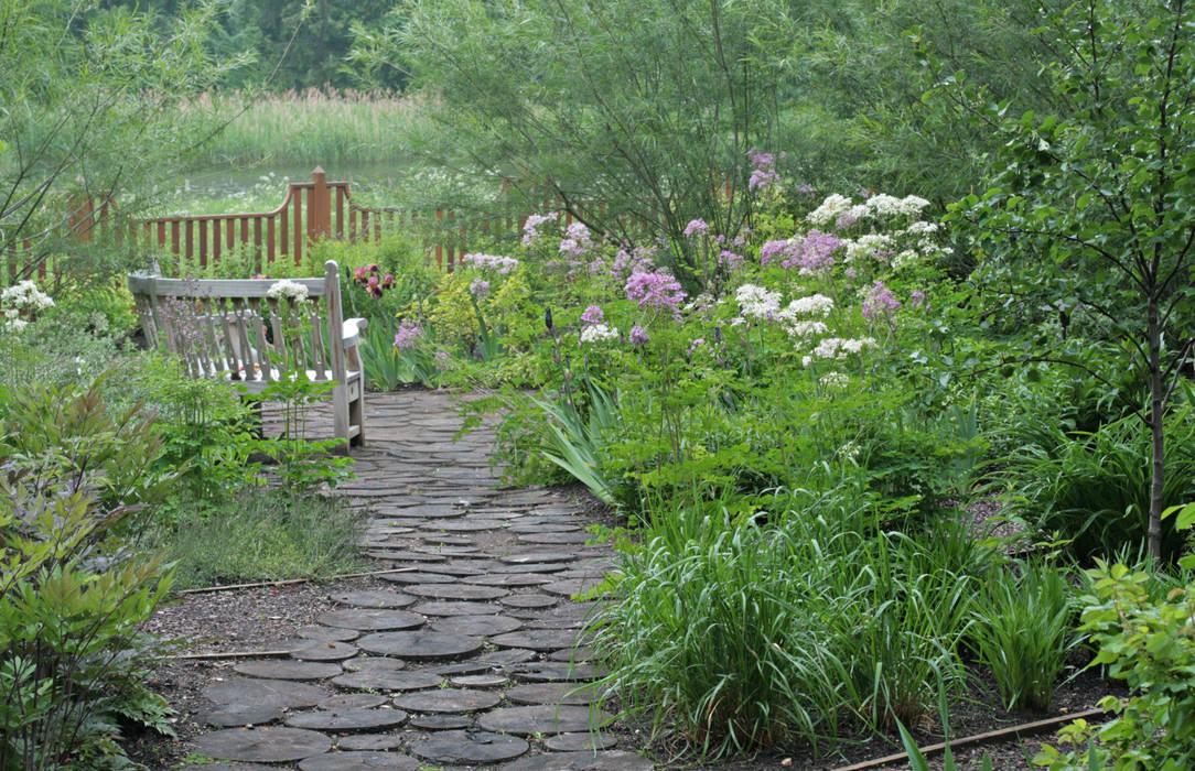 Jardins clássicos por ООО GeoGraffiti Clássico
