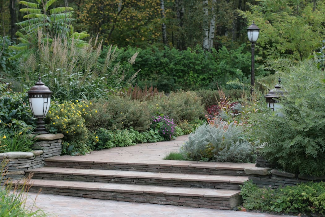 Бельгийская Деревня 01 Сад в классическом стиле от ООО GeoGraffiti Классический
