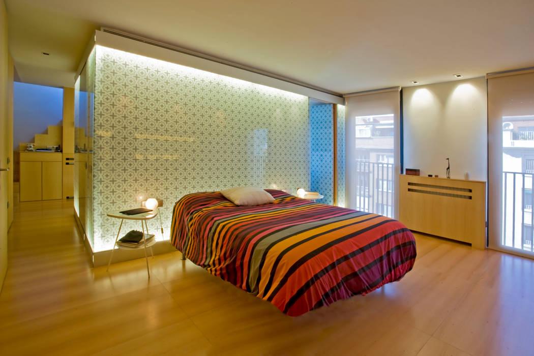 Dormitorio Remodelación Duplex Dormitorios de estilo minimalista de INFINISKI Minimalista