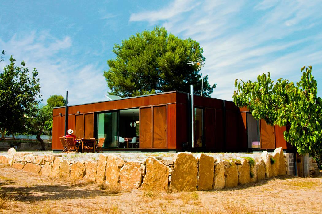 Passive house by INFINISKI, Mediterranean