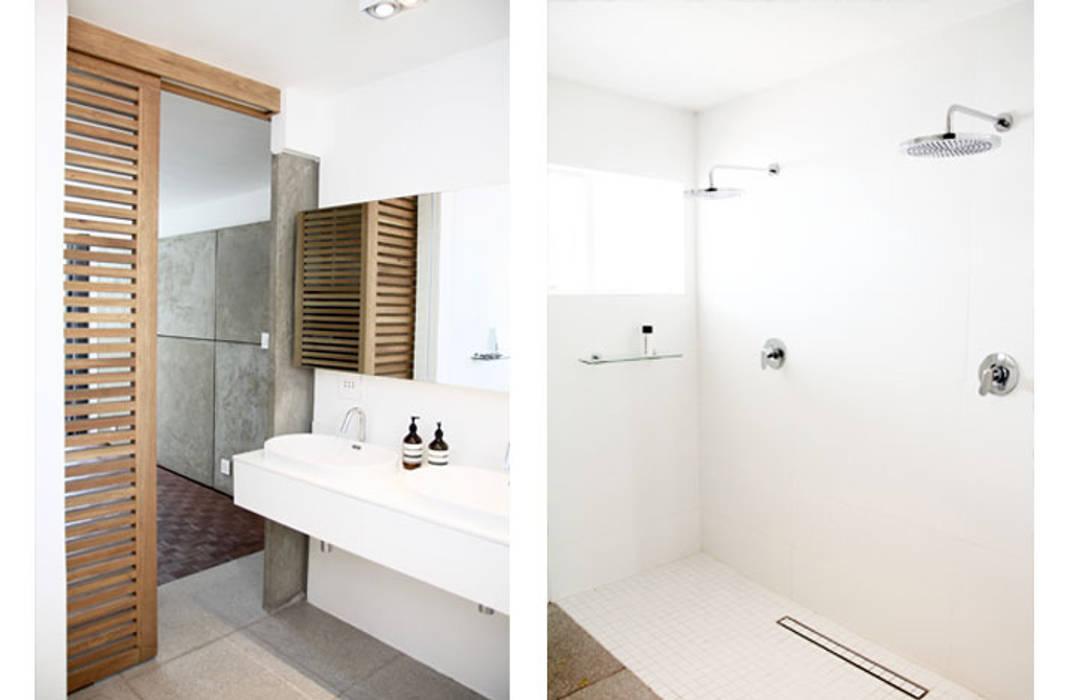 Main Bathroom Minimal style Bathroom by Metaphor Design Minimalist Tiles