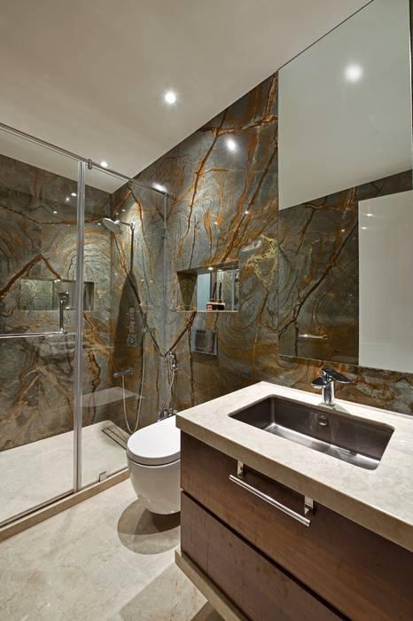 Rejuvenating Sundowner:  Bathroom by Ar. Milind Pai,Modern
