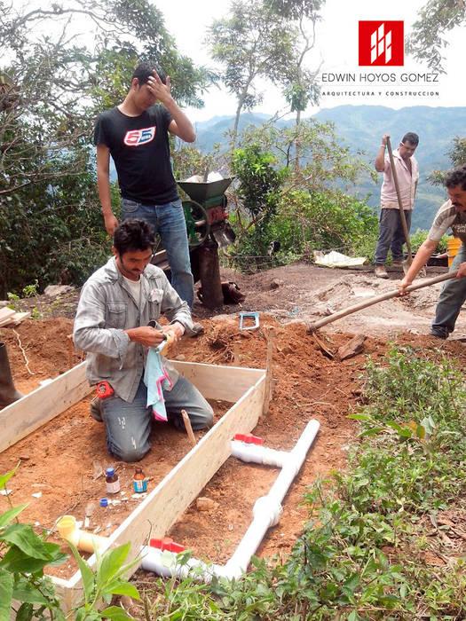 Beneficiaderos en 100 fincas Cafeteras Cundinamarca - Año 2015 de EHG arquitectura y construcción