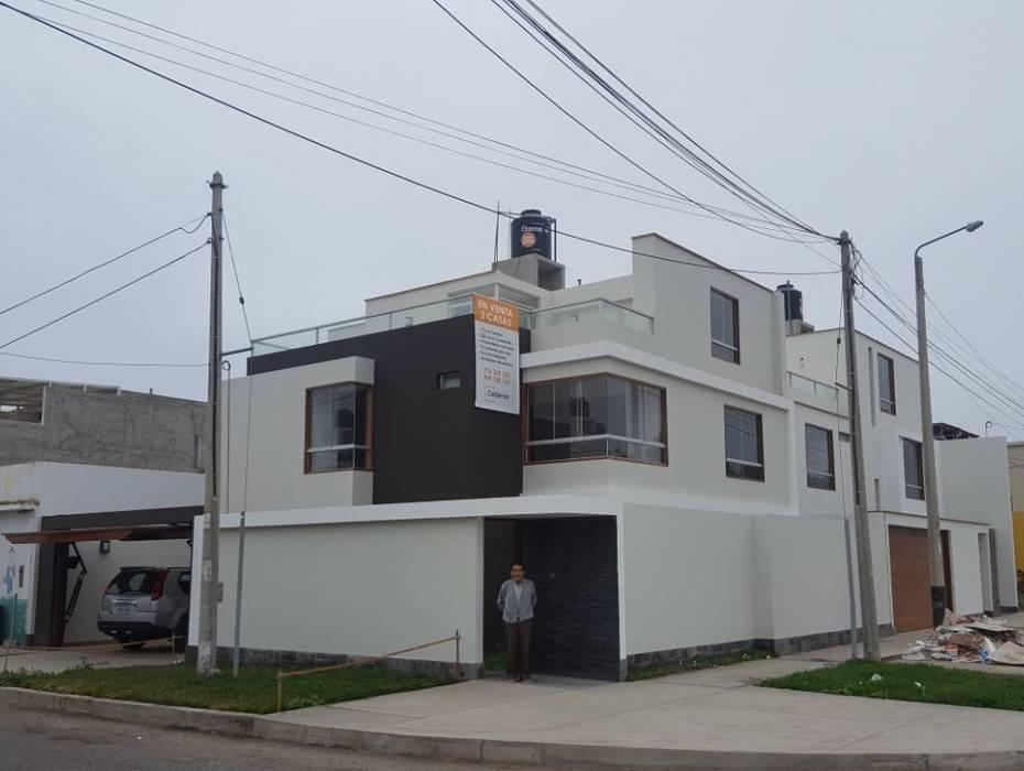 Fachada: Casas unifamiliares de estilo  por RAUM Estudio