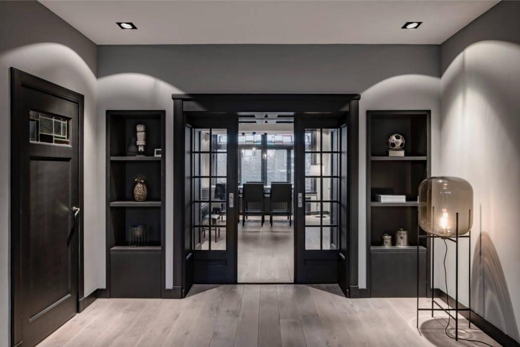 Rozenburglaan:  Woonkamer door Mariska Jagt Interior Design, Modern